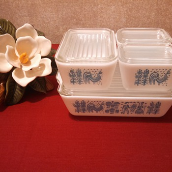 "Pyrex ""Butter print"" Refrigerator stackers set!NEVER USED! - Kitchen"