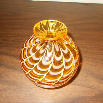 Mdina? Isle of Wight? Michael Harris Globe Vase? Pulled Loop HELP - Art Glass