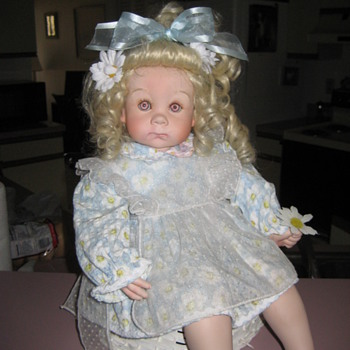 Unknown doll - Dolls