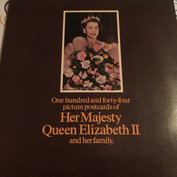 Queen Elizabeth 2 postcard book