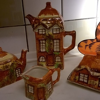 Price Brothers Cottage Ware, 1945/1946, Thrift Shop Find! - Art Pottery