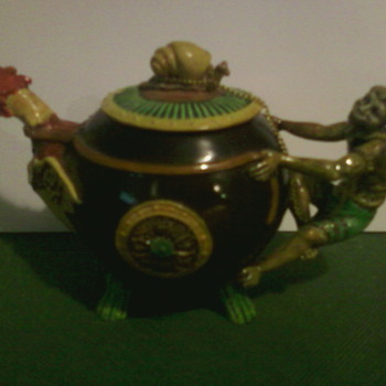 minature tea pot - Art Pottery