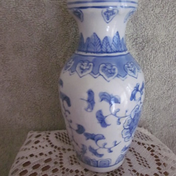 Asain Chinese Hand Painted Blue White Vase - Asian