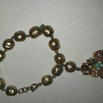 Funky faux pearl bracelet
