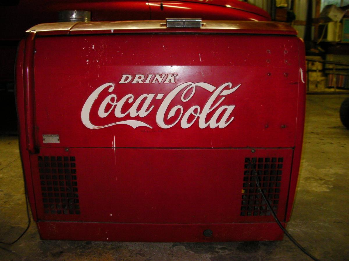 Rolling Retro Coca-Cola Cooler 80 Quart Vintage Ice Chest ...  Old Coca Cola Coolers