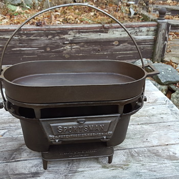 Part of my cast iron hibachi grill collection. From the 1940's to the 1970's