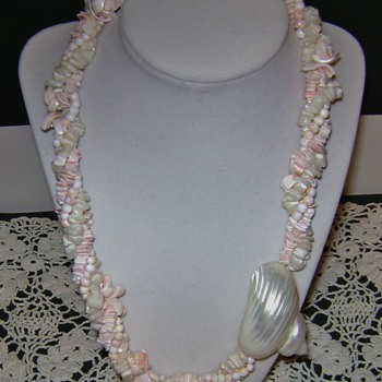 Shell Pendant Necklace - Costume Jewelry