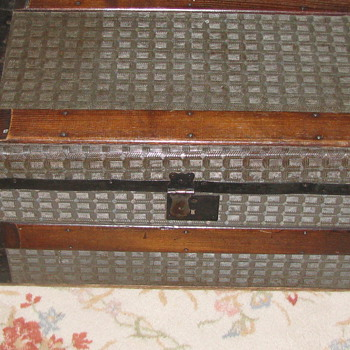 Small Herringbone tin Trunk with Wood Handles