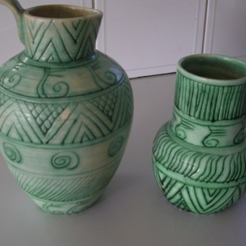 UNKNOWN POTTERY/CERAMIC GEOMETRIC DESIGN JUGS - Art Pottery