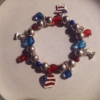 Patriotic Charms... - Costume Jewelry