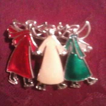 Three angels skateing! - Christmas