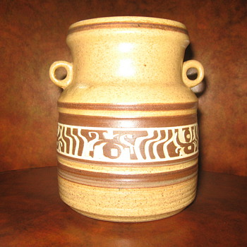 BROR CHAIL POTTERY MADE IN ISRAEL - Pottery