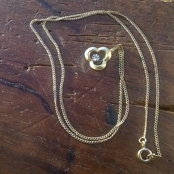 Thrift Shop Find > 14K/585 Brushed Gold & Illusion Diamond Pendant Necklace