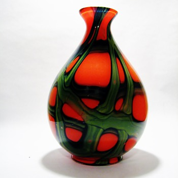 KRALIK -TANGO WEBBED GREEN TEAR DROP BALL VASE