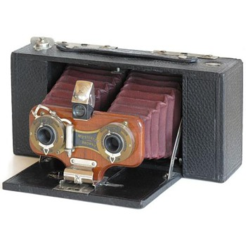 Celebrating Early Stereo Roll film Cameras  the Kodak No.2 Stereo Brownie
