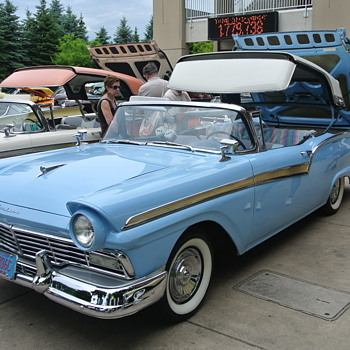 Group of Fairlanes. A Couple of Converts w/Retractable Hardtops - Classic Cars