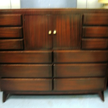 1940&#039;s Modern Bedroom Set
