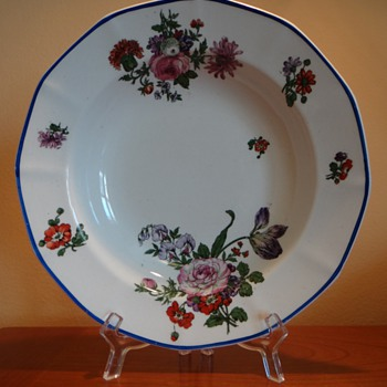 ROYAL DOULTON - ENGLAND 