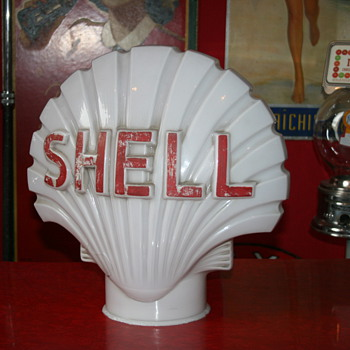 shell milkglass clamshell gas pump globe - Petroliana