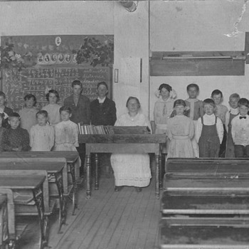 Old Class School Photo . My Great Aunts Class about 1910   - Photographs