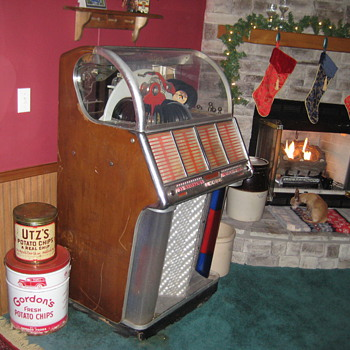 My 1953 Wurlitzer JukeBox  - Coin Operated