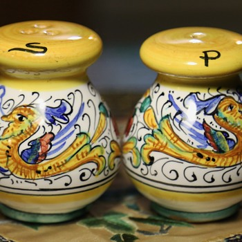 Deruta Salt & Pepper Shakers