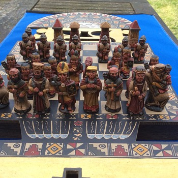 Unusual chess set ?