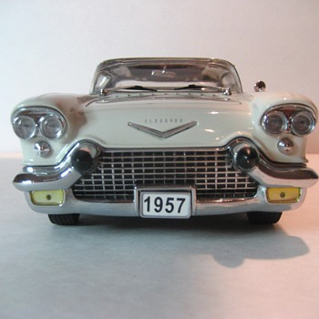 1957 Cadillac Eldorado Broughm Die-cast - Model Cars
