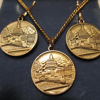 Vintage Costume Jewelry Set from The U.S. Capitol Historical Society