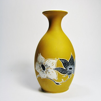 SUSIE COOPER  - China and Dinnerware
