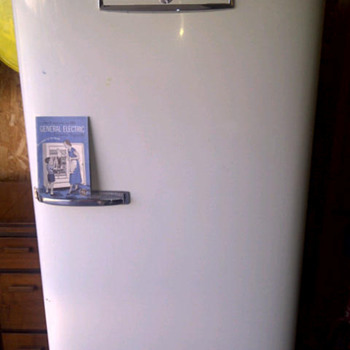 1951 GE Fridge w/manuel - Kitchen