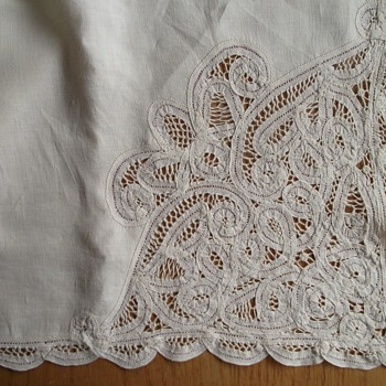 "Vintage 50""x72"" Battenburg Lace Tablecloth Creamy Beige"