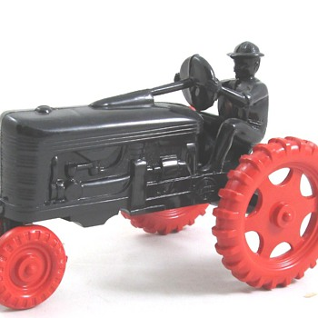 Irwin Plastic Tractor - Model Cars