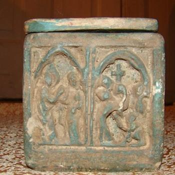 Chalk box - Art Pottery