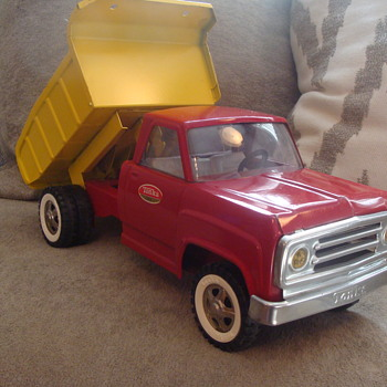 Kevin's 1970s Tonka Dump Truck!