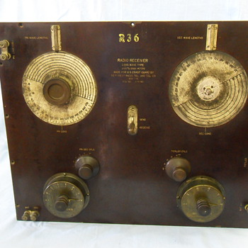 De Forest Long Wave Type Radio Receiver R 36 Made for U.S. Coast Guard