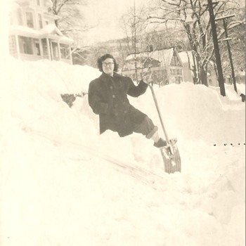 MY MOTHER 1950 ALSO PHIL'S UPDATE!!! - Photographs