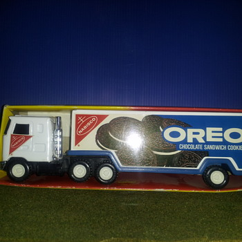 Buddy L Mack Tractor Trailer. OREO Cookies