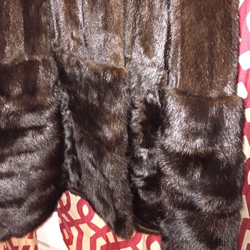 Vintage Fur Coats, Does Anyone know what kind of Furs theses are????