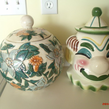 Sierra Vista Clown cookie jar, Jamar of Calif. flower cookie jar, & Oreo Cookie cookie jar