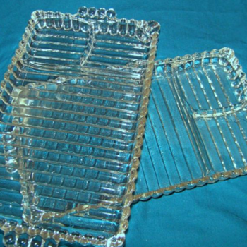 Antique Heavy Glass SANDWICH PLATE 3 Segment Ribbed Condiment Divider - Glassware
