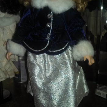 Rare Collection of very old prestine dolls.. porcelain.. unbelievable crafting. sooooooo rare - Dolls