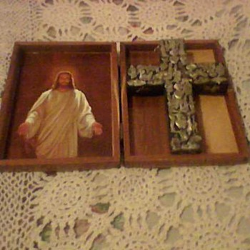 VINTAGE BIBLE BOX AND CROSS - Folk Art