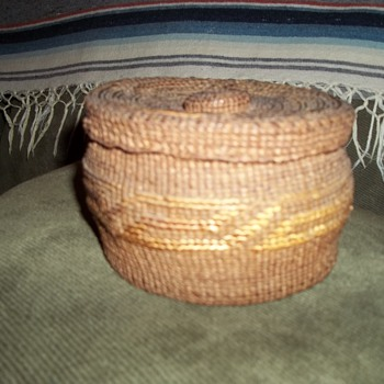 Old Tsimshian woven Basket (Native American Pacific North Coast) - Native American