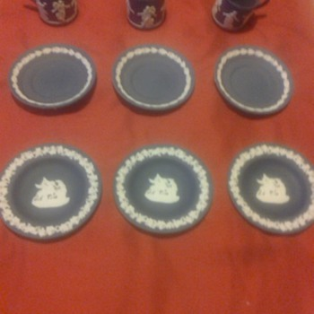 WEDGWOOD SET - China and Dinnerware