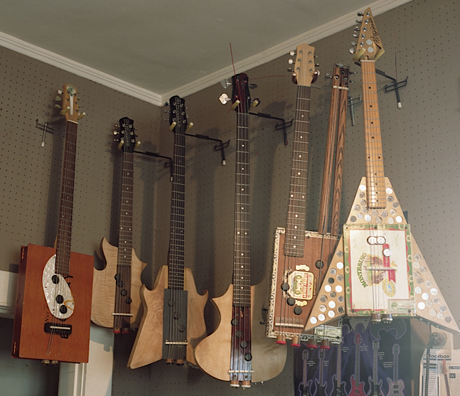 guitars made out of cigar boxes 2