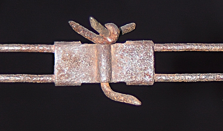 The Mouck Three to One Barb on Parallel Strands was patented in 1893 by Solomon Mouck of Denver, CO. Photo by railman.