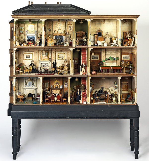 Miss Miles' House from 1890 is the only posh Victorian doll house in the Victoria and Albert Museum collection that belonged to an actual child.