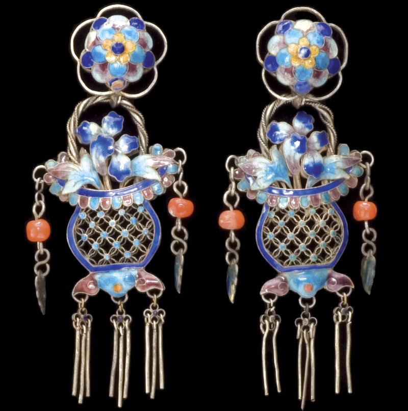 Flower-basket earrings made of silver with polychromed enamel. Courtesy the Shyn Collection.