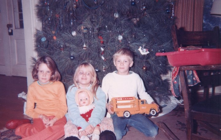 tree_doll_truck